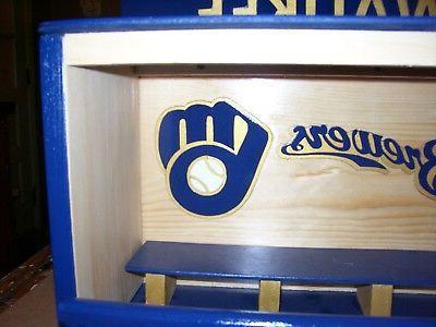 Milwaukee Bobble Head Display Case with M, Name Glove Pinewood