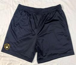 Milwaukee Brewers Shorts Size Large Pants T-shirt Jersey Swe